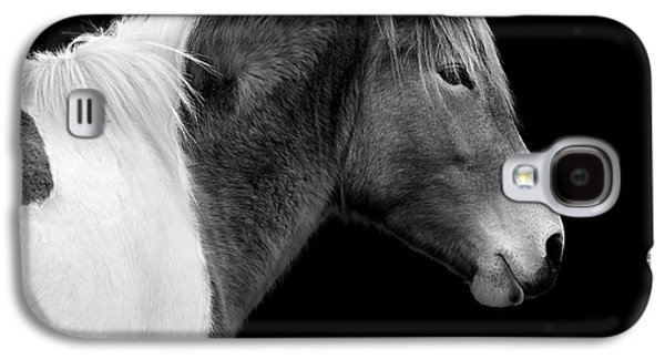 Galaxy S4 Case featuring the photograph Assateague Pony Susi Sole Black And White Portrait by Bill Swartwout Fine Art Photography