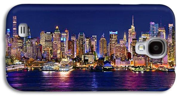 Skyline Galaxy S4 Case - New York City Nyc Midtown Manhattan At Night by Jon Holiday