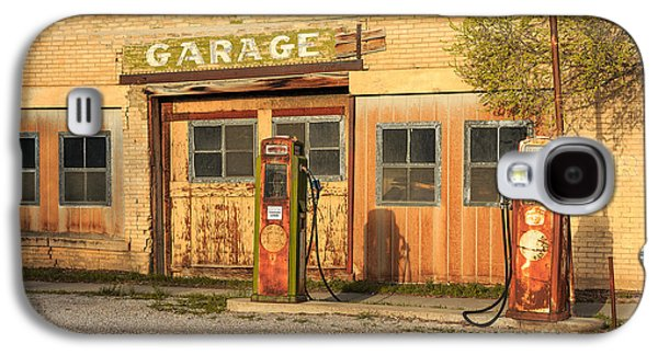 Old Town Galaxy S4 Case - Old Service Station In Rural Utah, Usa by Johnny Adolphson