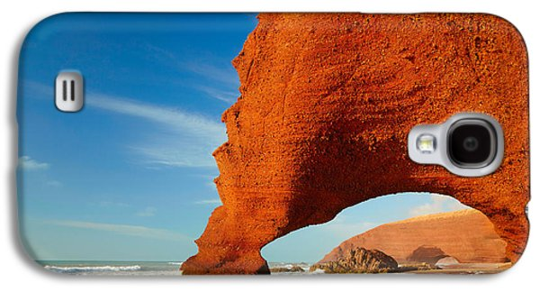 Travel Galaxy S4 Case - Red Archs On Atlantic Ocean Coast by Sj Travel Photo And Video