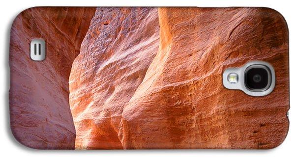 International Travel Galaxy S4 Case - The Siq, The Narrow Slot-canyon That by Robert Paul Van Beets