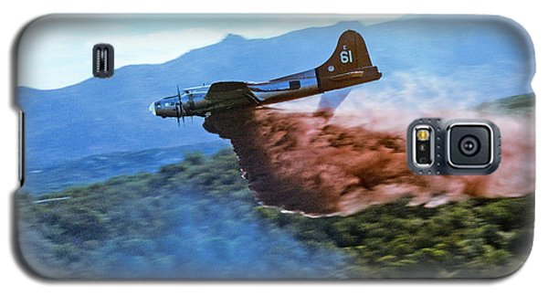 B-17 Air Tanker Dropping Fire Retardant Galaxy S5 Case