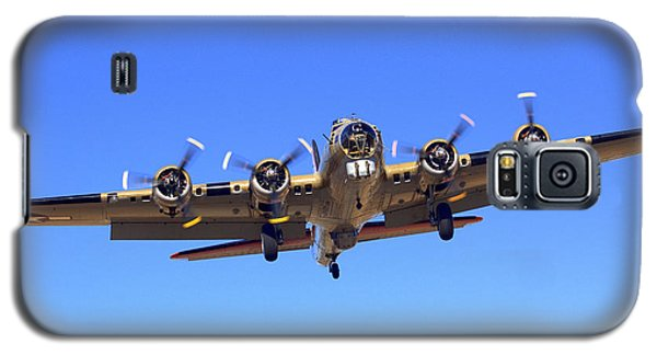 B17 Flying Fortress On Approach At Livermore Klvk Galaxy S5 Case