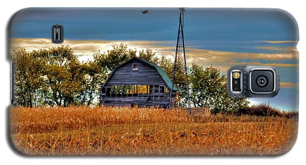 Childhood Memories    Galaxy S5 Case by Larry Trupp