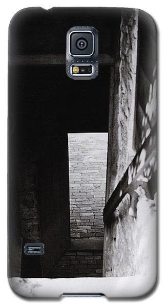 Galaxy S5 Case featuring the photograph  Ephrata Cloisters Stairway by Jacqueline M Lewis