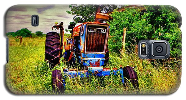 Old Ford Tractor Galaxy S5 Case by Savannah Gibbs