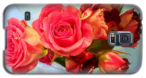 Galaxy S5 Case featuring the photograph  Roses 4 Lovers  by Rogerio Mariani