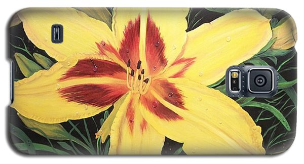 Galaxy S5 Case featuring the painting  Yellow Lily by Sharon Duguay