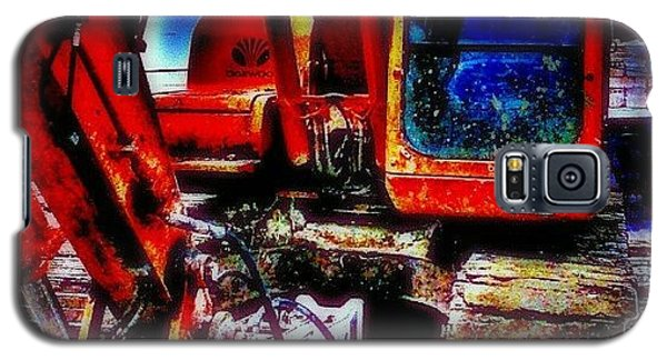 Hdr_pics Galaxy S5 Case - A Digger At Work by Chris Drake