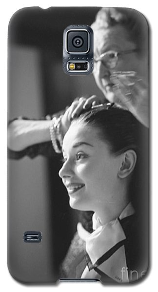 Audrey Hepburn Preparing For A Scene In Roman Holiday Galaxy S5 Case by The Harrington Collection