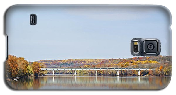 Galaxy S5 Case featuring the photograph Autumn On The Delaware by Elsa Marie Santoro