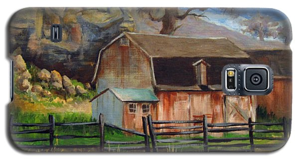 Galaxy S5 Case featuring the painting Bellvue Barn by Carol Hart