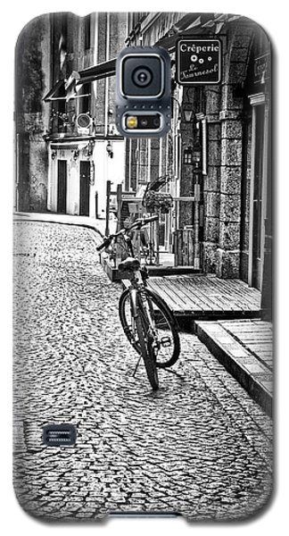 Galaxy S5 Case featuring the photograph Bicycle And Sparrow 2  by Elf Evans