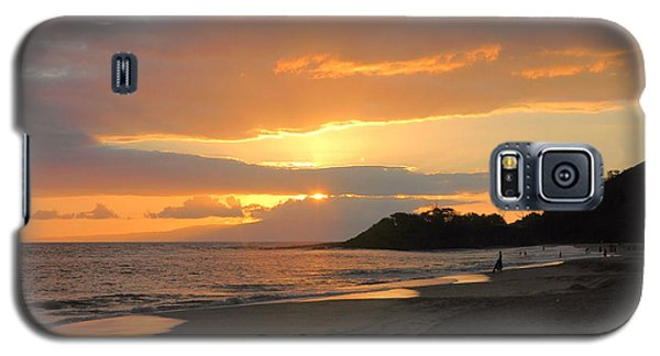 Big Beach At Sunset Galaxy S5 Case by Stephen  Vecchiotti