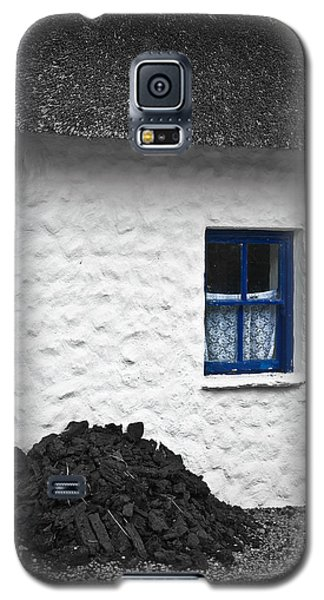 Galaxy S5 Case featuring the photograph Blue Cottage Window by Jane McIlroy