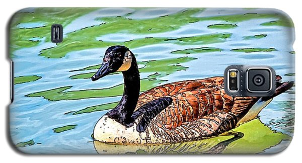 Galaxy S5 Case featuring the photograph Canada Goose by Ludwig Keck