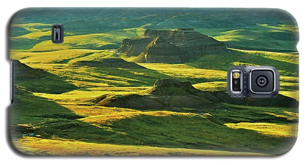 Canada, Saskatchewan, Grasslands Galaxy S5 Case by Jaynes Gallery