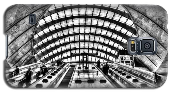Canary Wharf Station Galaxy S5 Case by David Pyatt