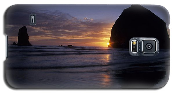Galaxy S5 Case featuring the photograph Cannon Beach Sunset by Chris Scroggins