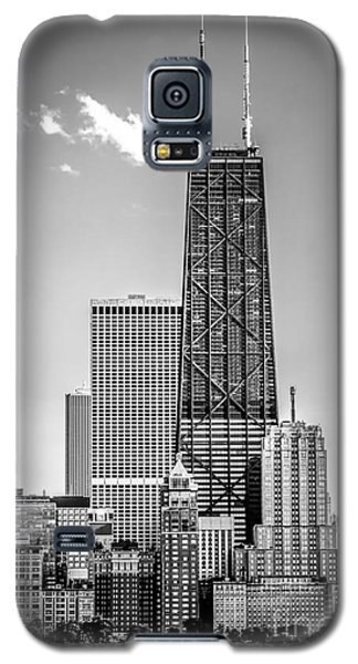 Chicago Hancock Building Black And White Picture Galaxy S5 Case by Paul Velgos