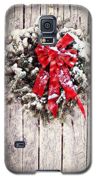 Christmas Wreath On Barn Door Galaxy S5 Case