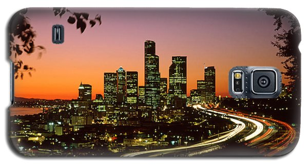 City Of Seattle Skyline Galaxy S5 Case by King Wu