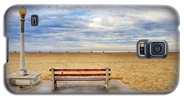 Early Morning At The Beach Galaxy S5 Case by Chuck Staley