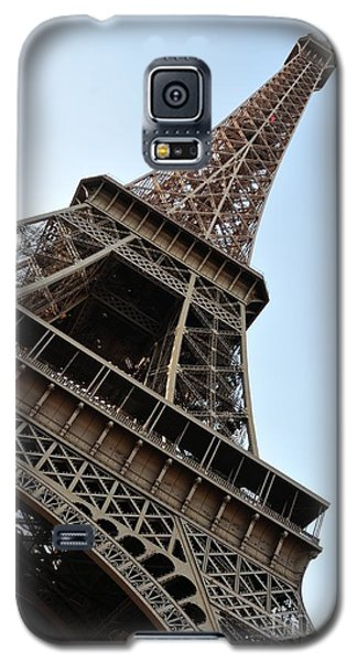 Galaxy S5 Case featuring the photograph Eiffel Tower by Joe  Ng