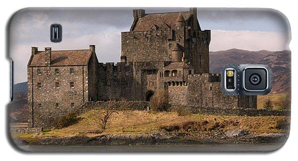 Galaxy S5 Case featuring the photograph Eilean Donan Castle Scotland by Jacqi Elmslie