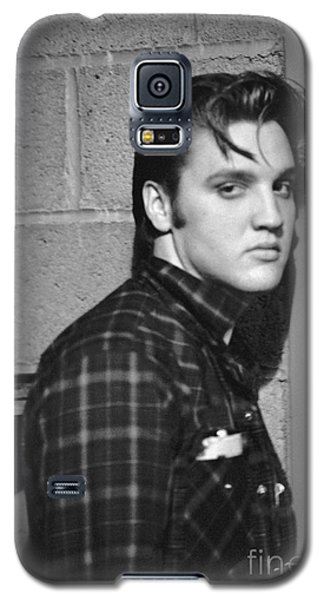 Elvis Presley 1956 Galaxy S5 Case by The Harrington Collection