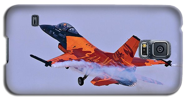 Galaxy S5 Case featuring the photograph F-16am Fighting Falcon by Paul Scoullar