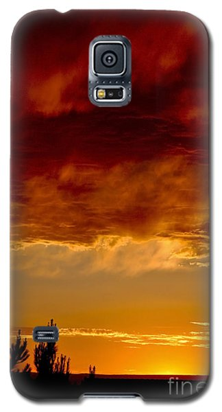 Fire In The Sky Galaxy S5 Case by Gina Savage