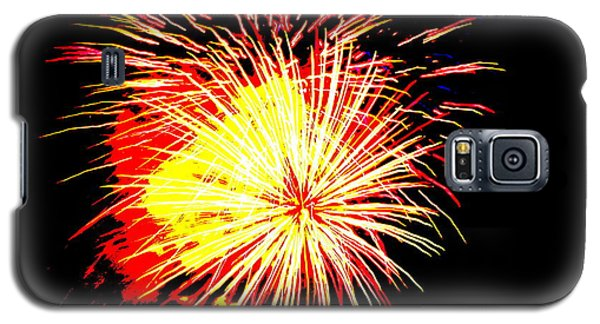 Galaxy S5 Case featuring the photograph Fireworks Over Chesterbrook by Michael Porchik