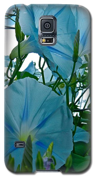 Galaxy S5 Case featuring the photograph Floral Fantasy by Randy Rosenberger