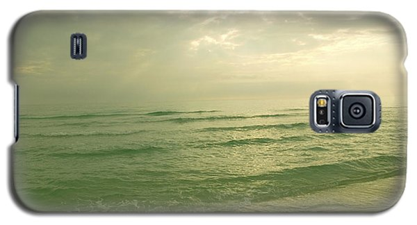 Galaxy S5 Case featuring the photograph Florida Beach by Charles Beeler