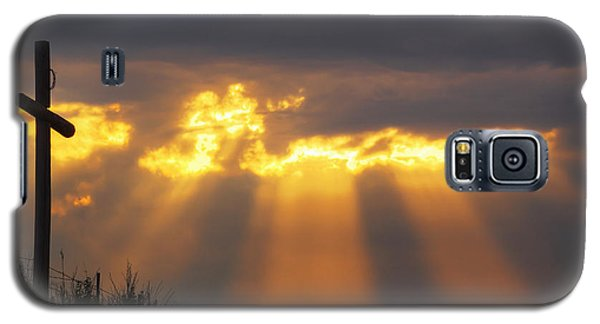 Galaxy S5 Case featuring the photograph Glorious Sunrise by Rob Graham