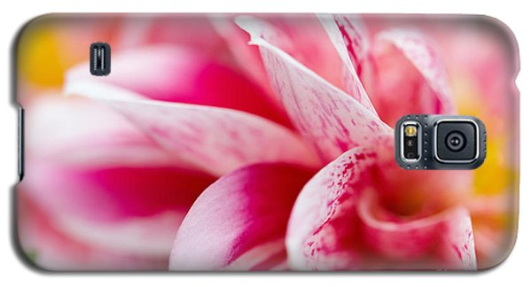 Macro Image Of A Pink Flower Galaxy S5 Case