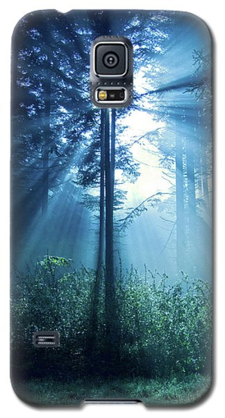 Magical Light Galaxy S5 Case by Daniel Csoka