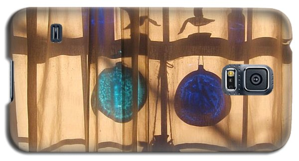 Mom's Window Galaxy S5 Case by John Scates