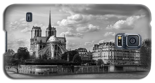 Galaxy S5 Case featuring the photograph Notre Dame 813 by James Bethanis