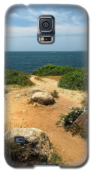 Galaxy S5 Case featuring the photograph Ocean View by Raymond Earley