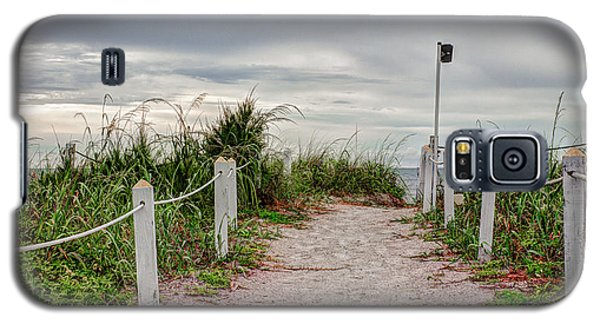 Pathway To The Beach Galaxy S5 Case