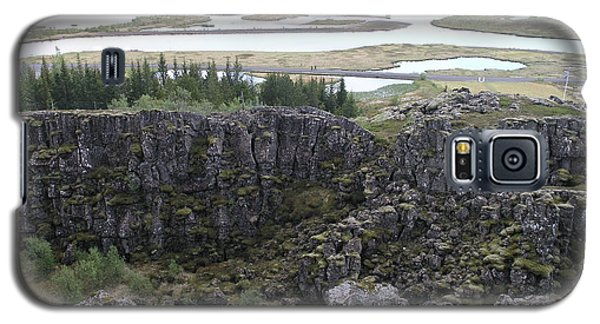 Galaxy S5 Case featuring the photograph Pingvellir by Christian Zesewitz