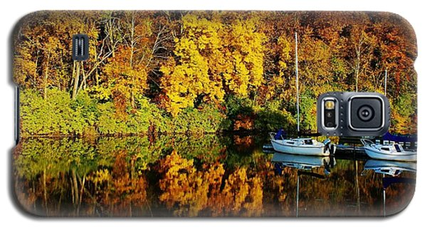 Galaxy S5 Case featuring the photograph Reflecting Lake by Bruce Bley