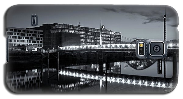 Reflections On The Clyde Galaxy S5 Case by Stephen Taylor