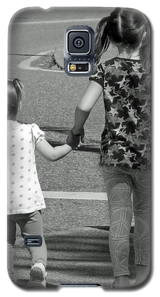 Galaxy S5 Case featuring the photograph She's My Sister by E Faithe Lester