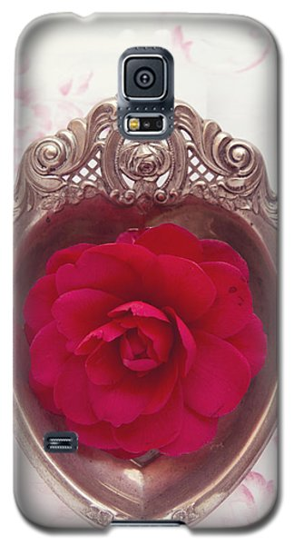 Silver Heart - Red Camellia Galaxy S5 Case