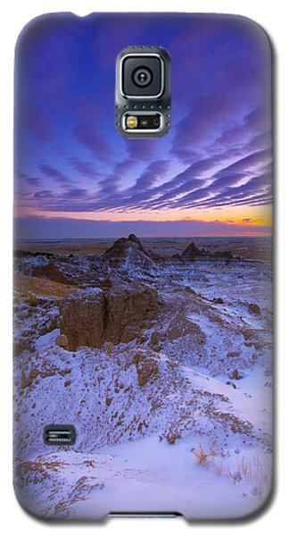 Galaxy S5 Case featuring the photograph Sky Lines by Kadek Susanto