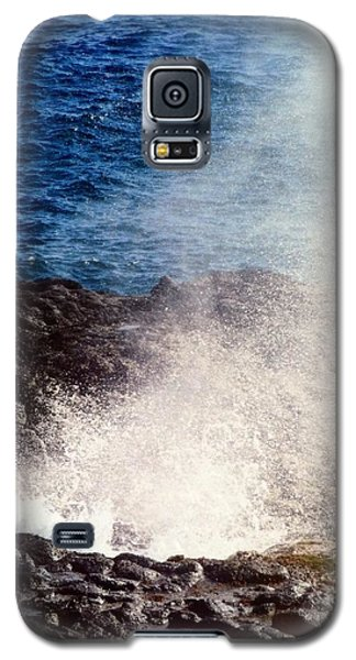 Galaxy S5 Case featuring the photograph Spouting Horn by Alohi Fujimoto