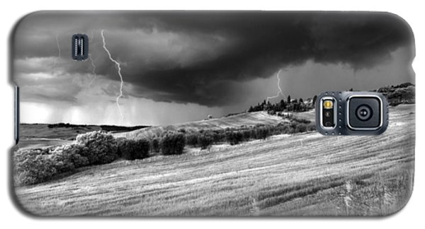 Storm Approcing The Tuscan Countryside Galaxy S5 Case by Yuri Santin